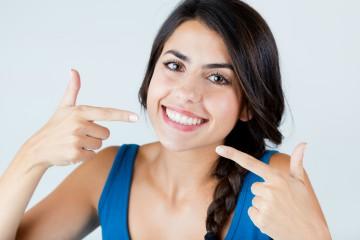 טיפולי אסתטיקת שיניים בין הטיסות גם לאנשי עסקים עסוקים